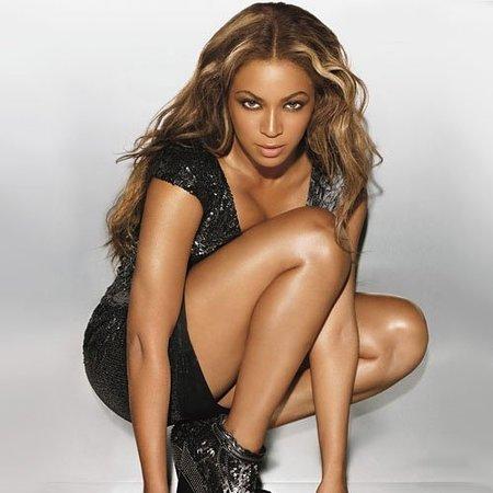 Beyoncé, hecha una ama de casa peculiar, presenta su videoclip de  'Why Don't You Love Me?'