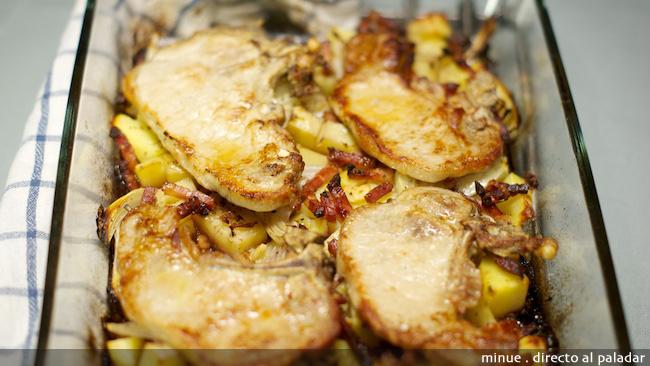Chuletas de cerdo al horno receta - Recetas de bogavante al horno ...