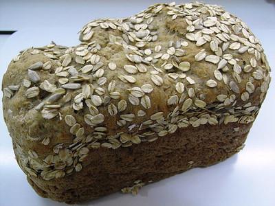 Ingredientes para hacer panes en casa; semillas y especias