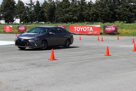 Toyota Camry 2015 (27) 1