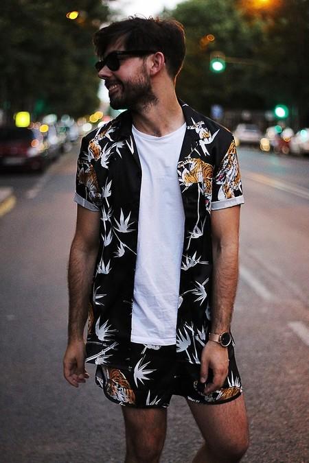 En El Mejor Streetstyle De La Semana Las Camisas Son La Nostalgia Del Verano Que Se Nos Va 8