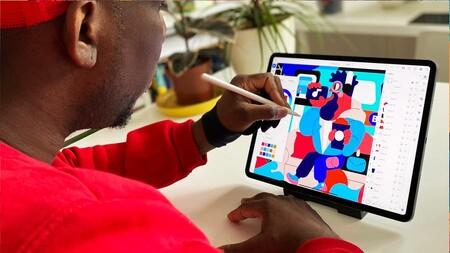 Adobe por fin lanza llustrator para iPad, subtítulos automáticos para Premiere y el reemplazo de cielos para Photoshop