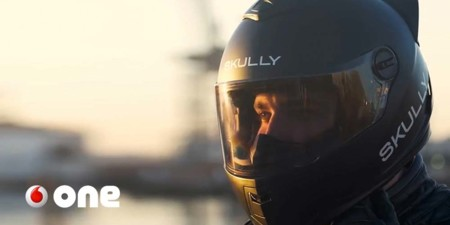 Motoristas: ¿preferís un casco que proteja del accidente o que lo evite antes?