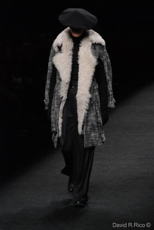 Foto de 080 Barcelona Fashion 2011: segunda jornada con las propuestas para el Otoño-Invierno 2011/2012 (80/99)