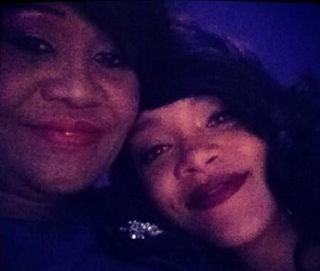 Rihanna y mamá