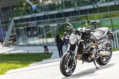 Ducati Monster 821, todas las fotos y todos los datos
