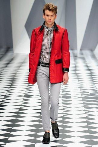 versacemilanfashionweekmenswear2011kh3mbuewieql.jpg
