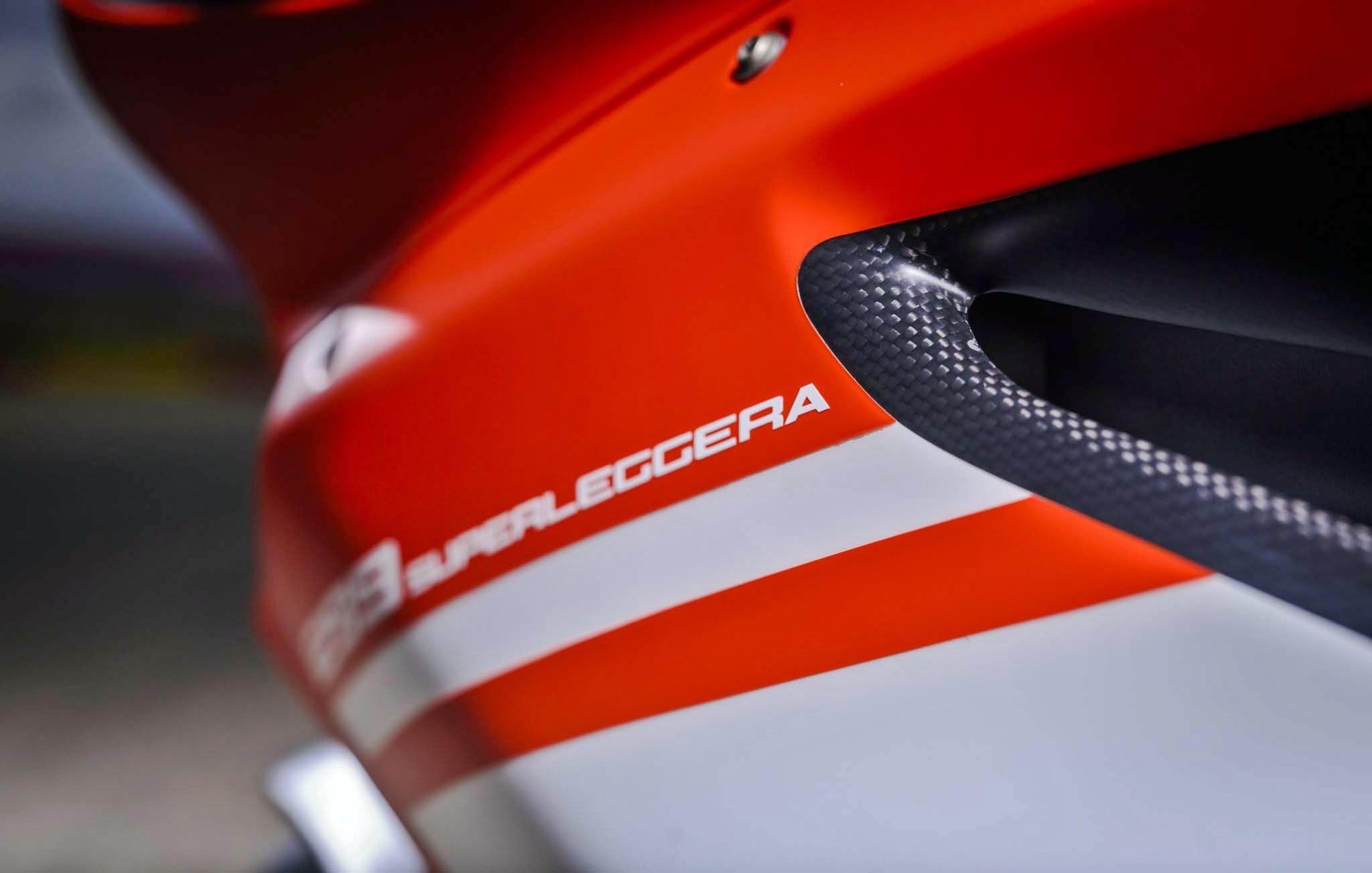 Foto de Ducati 1299 Superleggera (21/22)