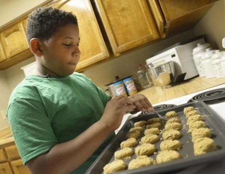 Quiere comprar una casa para su madre, con sólo ocho años y vendiendo galletas caseras después del colegio ¿y por qué no?