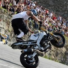 Foto 11 de 18 de la galería exito-del-primer-campeonato-de-freestyle-stunt-riding-encamp-2011 en Motorpasion Moto