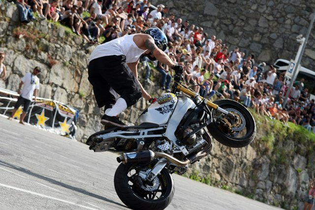 Foto de Éxito del primer campeonato de Freestyle Stunt Riding Encamp 2011 (11/18)