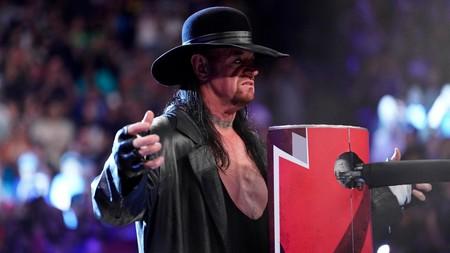 Cómo WWE utiliza a un luchador de más de 50 años para empujar las suscripciones a su servicio de vídeo