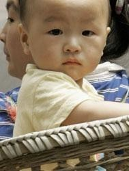 Venta de bebés en China, toda la familia es cómplice
