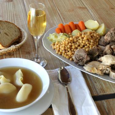 Receta de escudella i carn d'olla, el reconfortante plato de cuchara catalán