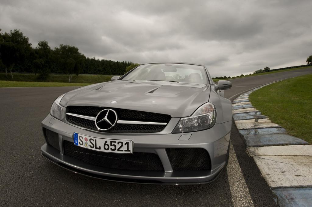 Foto de Mercedes-Benz SL 65 AMG Black Series (5/44)