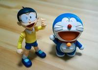 Parecidos razonables: Bernardos Doraemon vs Monedero Nobita, o Podemos desmontado por el gato azul