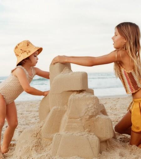 Siete bañadores y bikinis para niños con los que inauguran la temporada estival