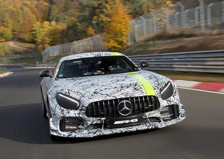 El Mercedes-AMG GT R PRO asoma en un primer teaser y quiere superar al GT R en todo