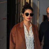 Vas a querer el abrigo de Mango que ha lucido Priyanka Chopra en Nueva York y lo sabes
