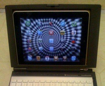 Usa un viejo portátil para acomodar un iPad y un teclado