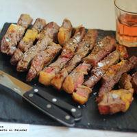 Cómo hacer carne a la piedra en el horno de casa