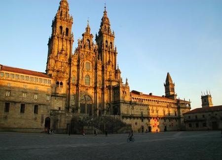Normas de acceso a la Catedral de Santiago de Compostela