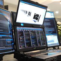 Expanscape Aurora 7: una monstruosa laptop con siete pantallas, 64GB de RAM y de la que conocerás su precio solo si firmas un acuerdo