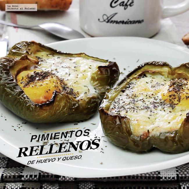 Pimientos rellenos de huevo y queso. Receta de desayuno en video