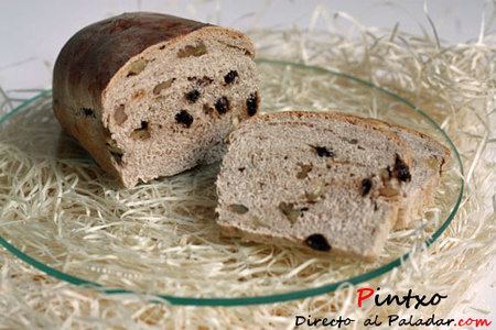 Pan de canela, nueces y pasas
