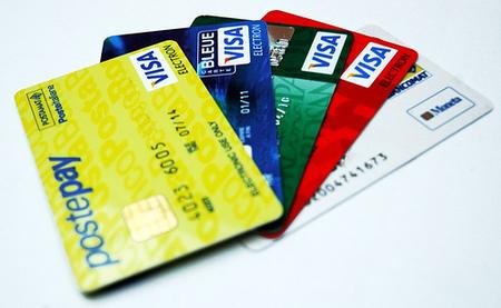 Los comercios podrán aplicar hasta un 1% de comisión por el uso de tarjetas de crédito