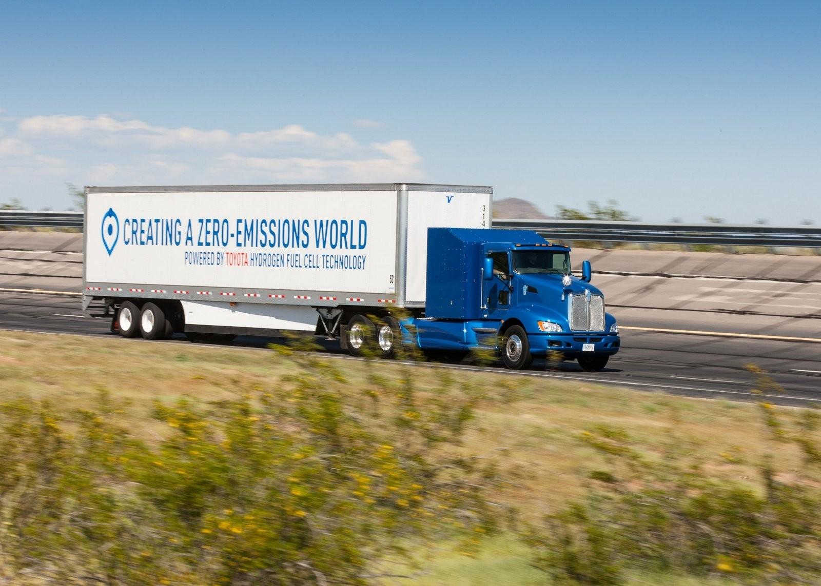 Foto de Camión de Toyota con pila de combustible (12/12)