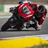 ¡Sube el volumen! Así suena la Ducati Superleggera V4 haciendo un exorcismo de 234 CV y más de 300 km/h