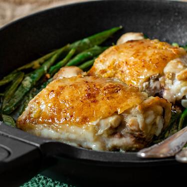 Receta de pollo al horno a la mantequilla: el más crujiente que vas a probar