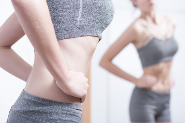 delgada-chica-anorexia