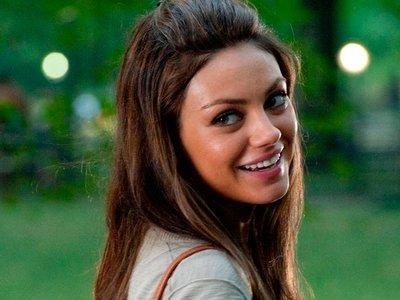 Mila Kunis, mira que tienes envidia de Scarlett que a ti también te tienen que hackear