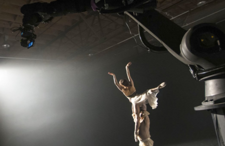 Un robot como perfecto operador de cámara para introducirte dentro de un ballet