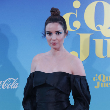 Dafne Fernández estrena nueva marca de vestidos de fiesta en la alfombra roja y triunfa a lo grande