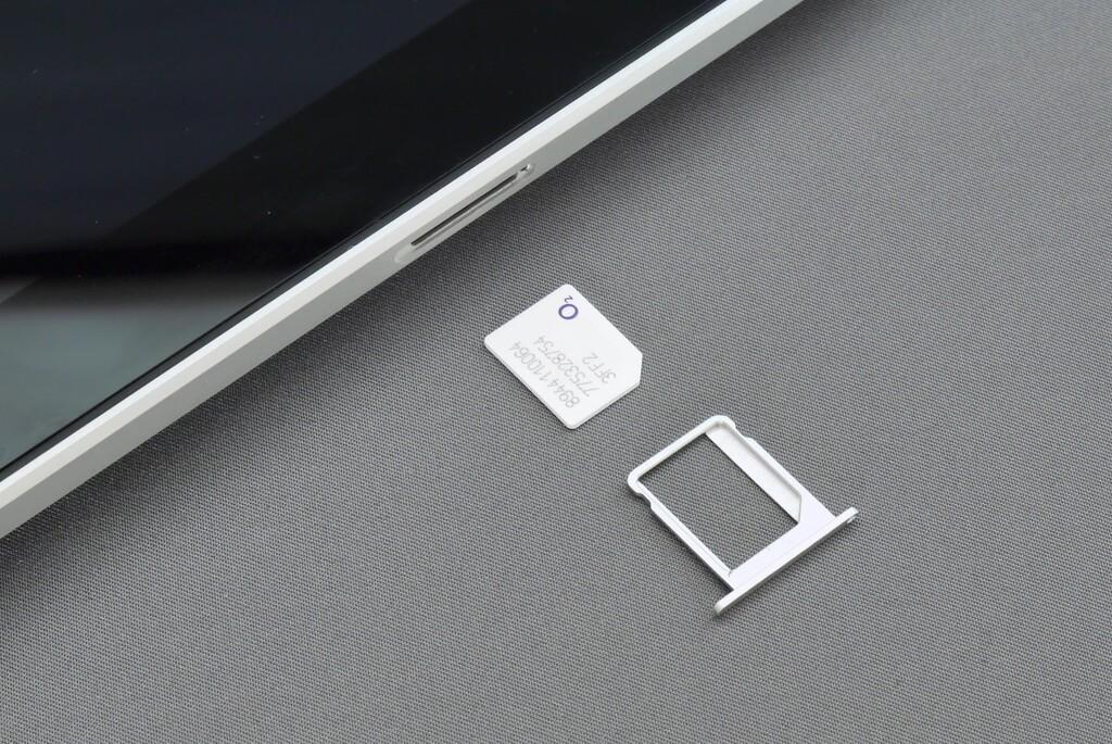 Cómo intercambiar y eliminar el código PIN de la tarjeta SIM en un iPhone