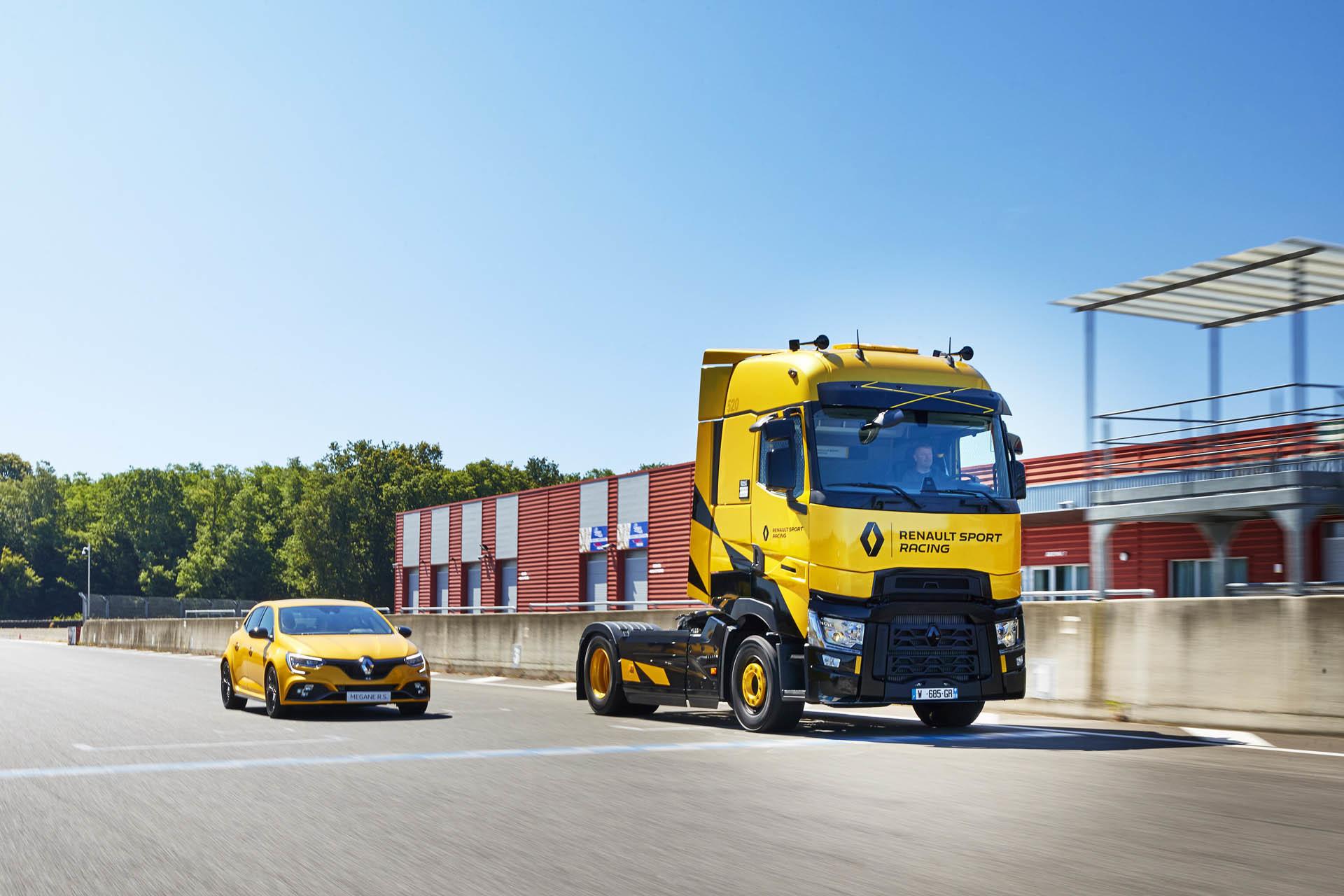 Foto de Renault T High RS Racing Edition (5/14)