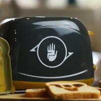Los fans de Destiny 2 están quemados con la tostadora oficial que llevaban un año esperando