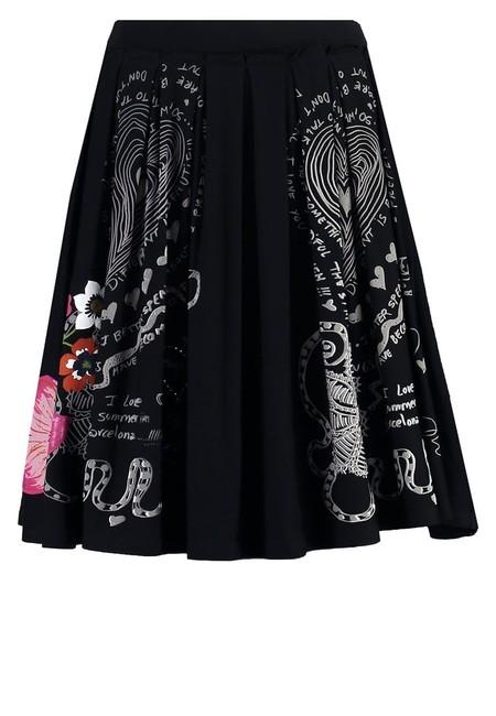 Por 29,98 euros puedes hacerte con la falda Lola de Desigual en Amazon con envío gratis