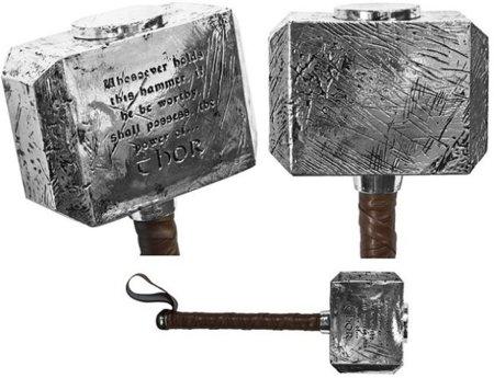 El martillo de Thor, oficial y coleccionable