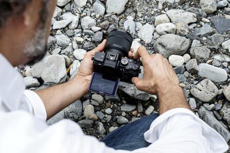 Sony A7 II, Canon EOS M50, Nikon D750 y más cámaras, objetivos y accesorios en oferta en el Cazando Gangas especial Halloween