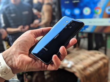 Nokia 9 Diseno
