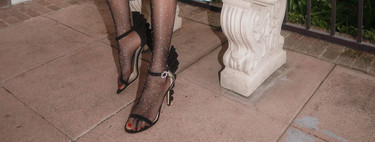 11 medias para llevar con sandalias y elevar tu look de noche a otro nivel