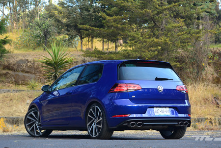 Volkswagen Golf R 2