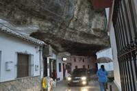Setenil de las Bodegas, un pueblo bajo la roca