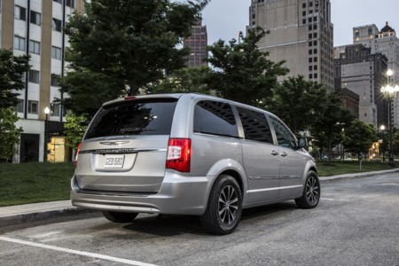 Chrysler Town Country 3