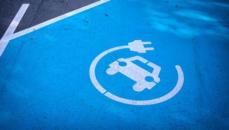 Los coches diésel y gasolina, prohibidos en Baleares en 2025 y 2035