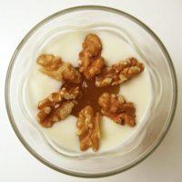 Truco saludable: añade nueces al yogur